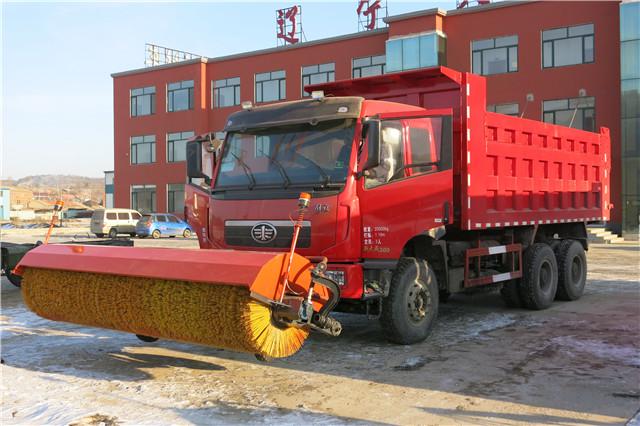 10吨以上自卸车除雪滚刷